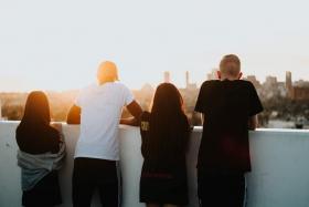 Imatge grup de joves